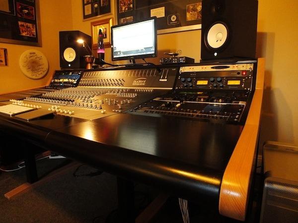 Buso audio studio asp4816 - Mobili studio registrazione ...
