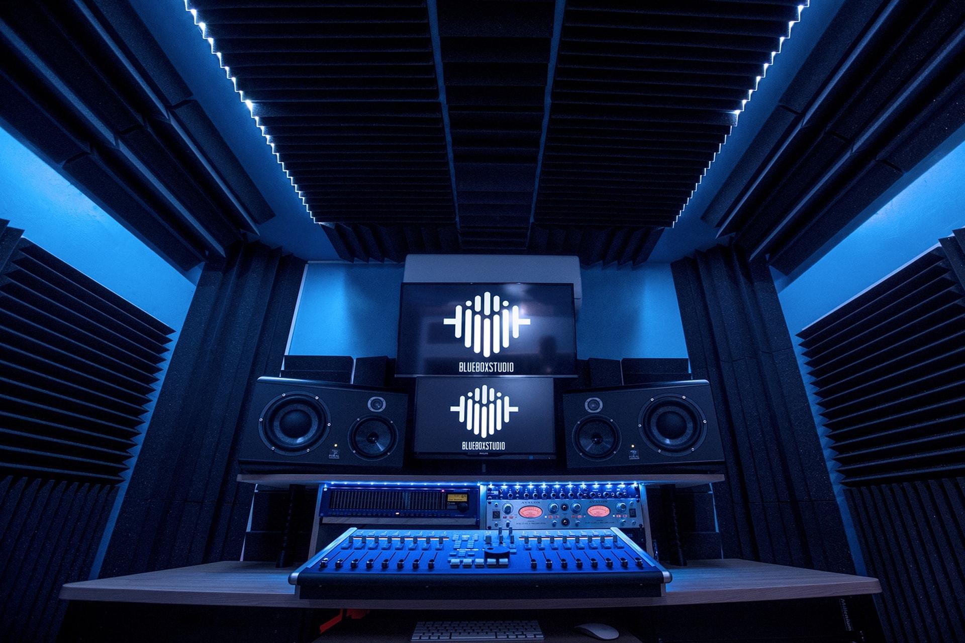 trattamento acustico studio di registrazione blue box