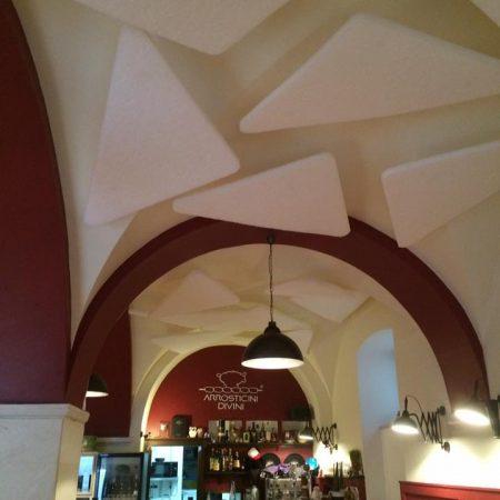 Trattamento acustico di un ristorante con soffitto a volta