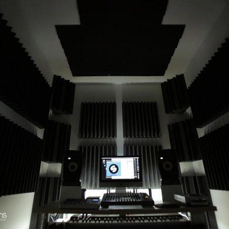 Control Room AR-Production