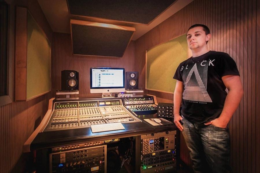 Galleria consolle buso audio per studi di registrazione - Mobili studio registrazione ...