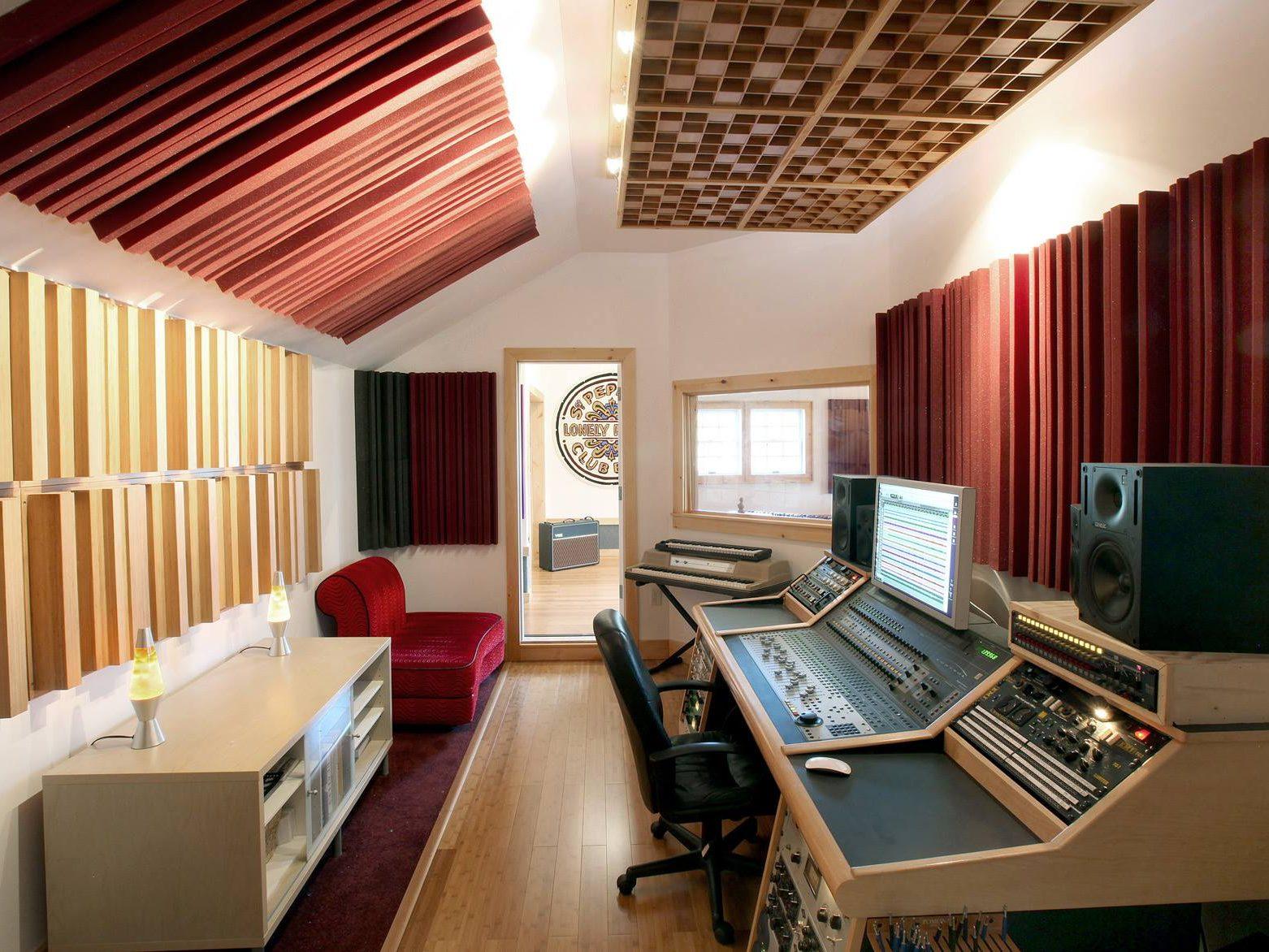 Studiofoam Metro 5 cm , Studiofoam Metro 10 cm , Bass Traps LENRD, Consolle Buso Audio, Auralex Wave Prism