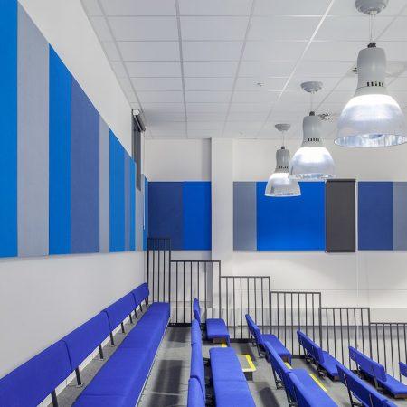 Pannelli fonoassorbenti AUTEX APA per istituti scolastici.