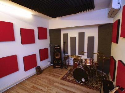 Isolamento e trattamento acustico di una sala prove partendo da zero.